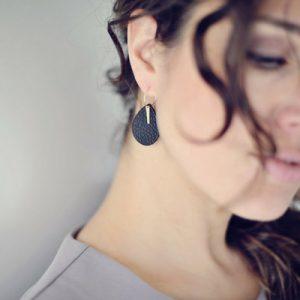 a little love - classy black - earrings
