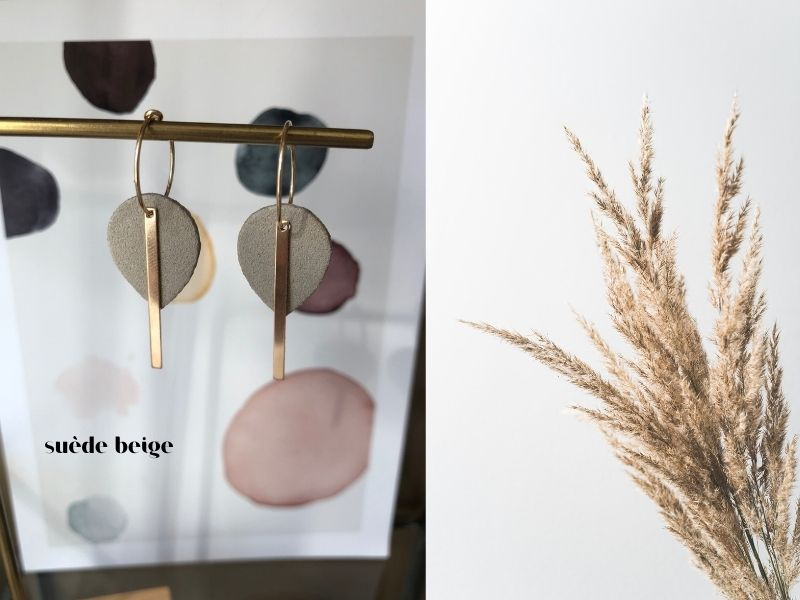 suede beige leer - mini me or you oorbellen - unieke sieraden
