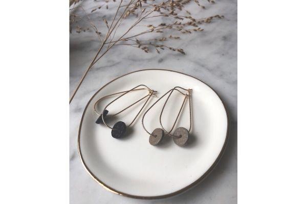 moo's love swing - earrings